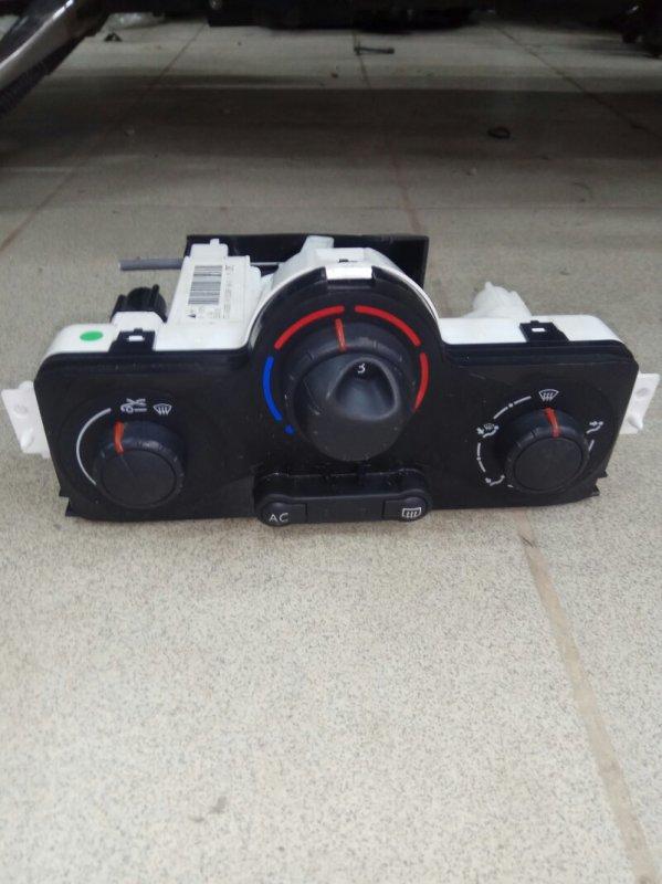 Блок управления климат-контролем Renault Megane 2 УНИВЕРСАЛ К4М813 2008 (б/у)