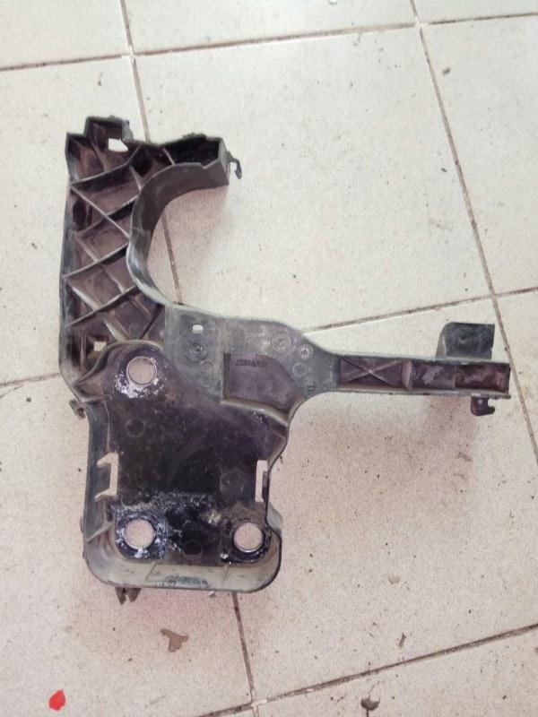 Кронштейн крепления фары (бумеранг) Renault Megane 2 УНИВЕРСАЛ K4M812 2006 передний левый (б/у)