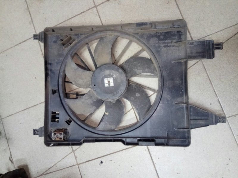 Вентилятор радиатора Renault Megane 2 УНИВЕРСАЛ K4M812 2006 (б/у)