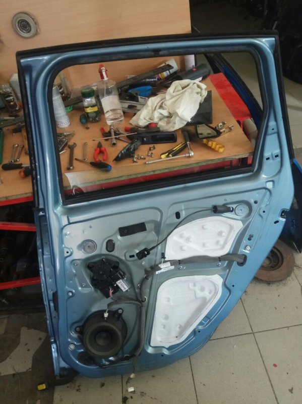 Дверь Renault Grand Scenic 3 JM K9K 2010 задняя правая (б/у)