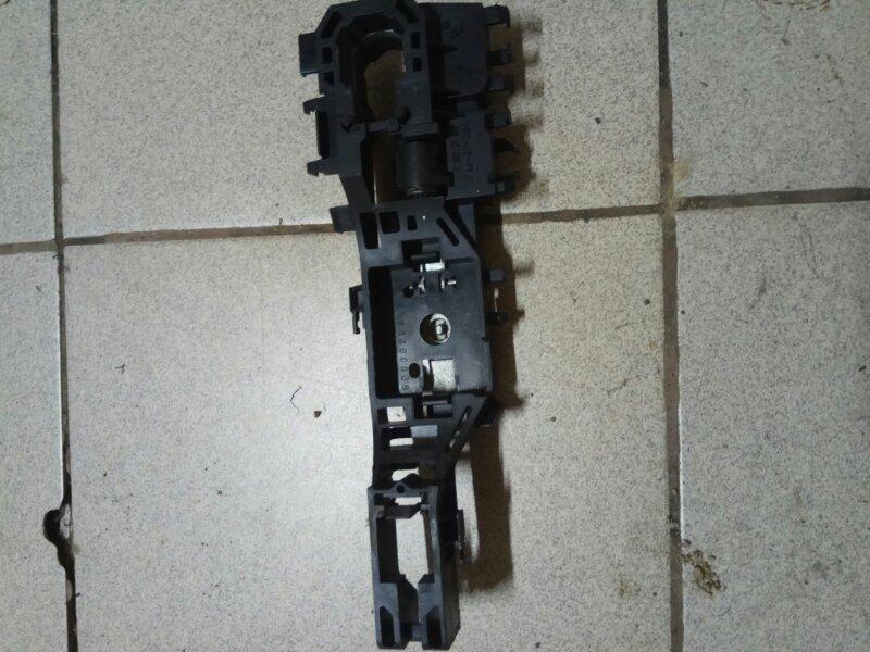 Механизм ручки двери Renault Megane 2 УНИВЕРСАЛ К4М856 2008 правый (б/у)