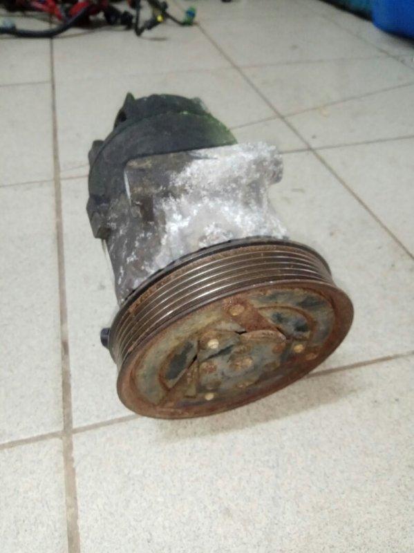 Компрессор кондиционера Renault Megane 2 УНИВЕРСАЛ К4М856 2008 (б/у)