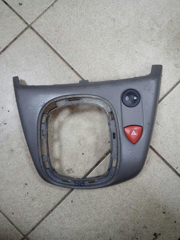 Накладка кулисы кпп Renault Scenic 2 УНИВЕРСАЛ K9K732 2007 (б/у)