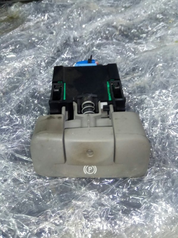 Кнопка электро ручника Renault Scenic 2 УНИВЕРСАЛ K9K732 2007 (б/у)
