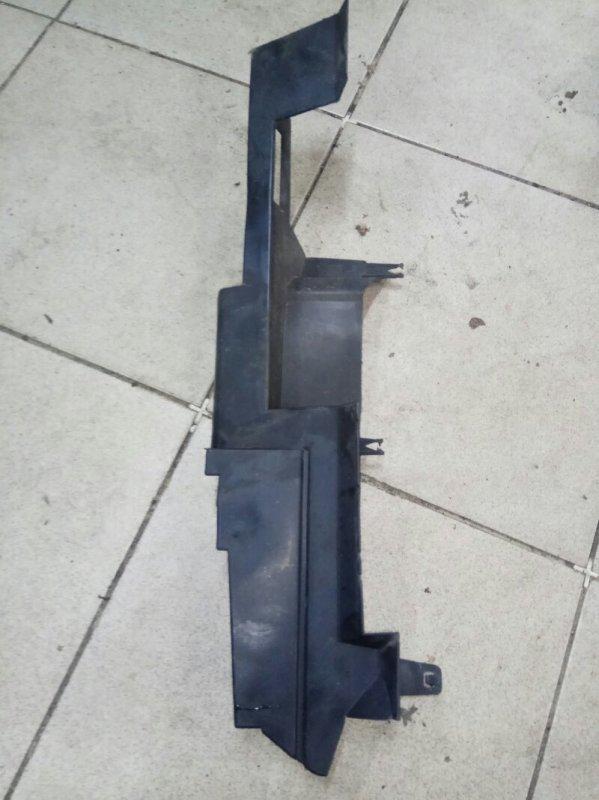 Дефлектор радиатора Renault Scenic 2 УНИВЕРСАЛ K9K732 2007 передний левый (б/у)
