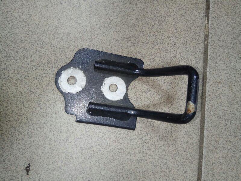 Скоба замка капота Renault Scenic 2 УНИВЕРСАЛ K9K732 2006 передняя (б/у)