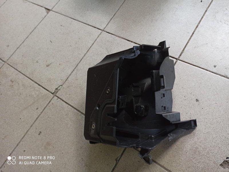 Корпус блока предохранителей Renault Megane 2 УНИВЕРСАЛ K9K732 2008 (б/у)