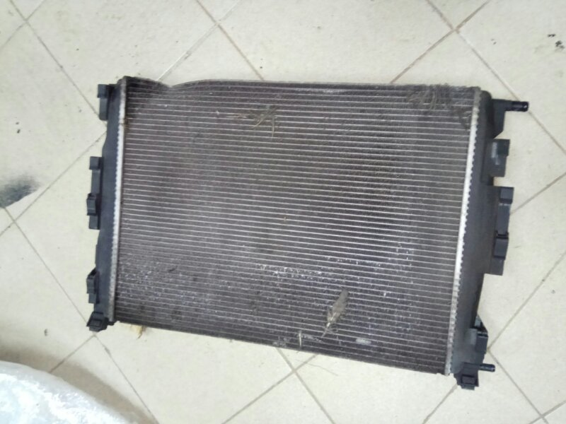 Радиатор охлаждения Renault Megane 2 УНИВЕРСАЛ K9K732 2008 (б/у)