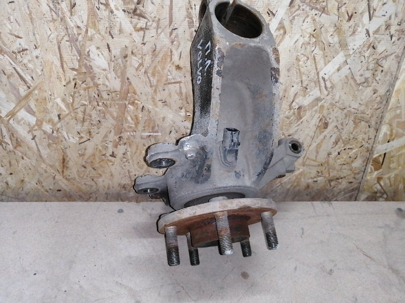 Кулак поворотный Volvo S40 B4184S11 2009 передний левый (б/у)