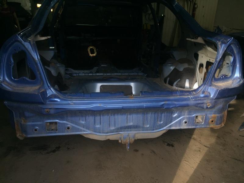 Панель задняя Mitsubishi Carisma DA 4G92 1999 (б/у)