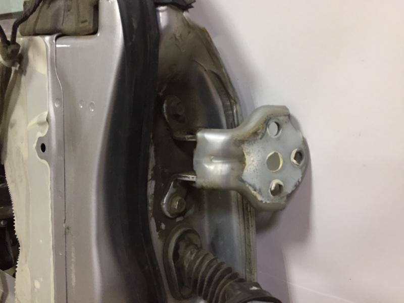 Петля двери Chevrolet Lacetti СЕДАН F14D3 2007 передняя левая верхняя (б/у)