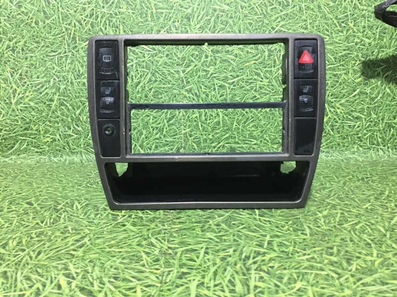 Центральная консоль Volkswagen Passat 3B3 AWT 2002 (б/у)
