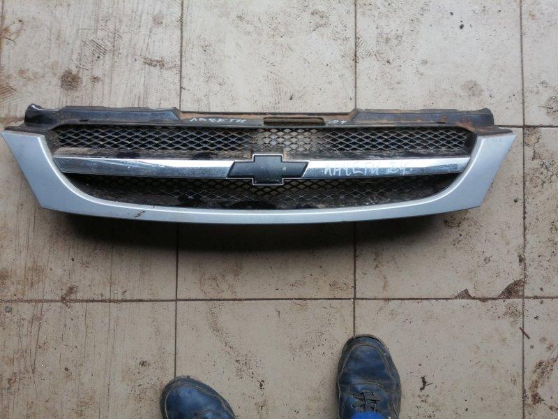 Решетка радиатора Chevrolet Lacetti J200 F16D3 2009 (б/у)
