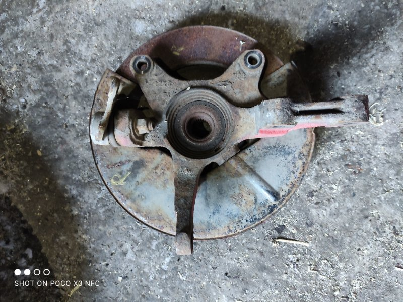 Кулак поворотный Chery M11 SQR481F 2012 передний правый (б/у)