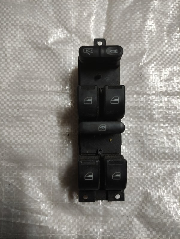 Блок управления стеклоподъемниками Chery M11 SQR481F 2013 (б/у)