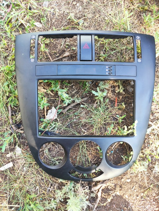 Рамка магнитолы Chevrolet Lacetti J200 F14D3 2012 (б/у)