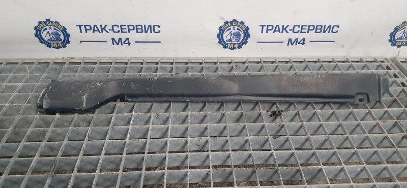 Накладка трапеции стеклоочистителей Renault Magnum E-Tech 440 MACK 2004 (б/у)