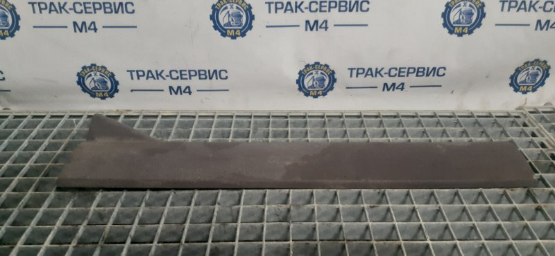 Накладка декоративная Renault Magnum E-Tech 440 MACK 2004 (б/у)