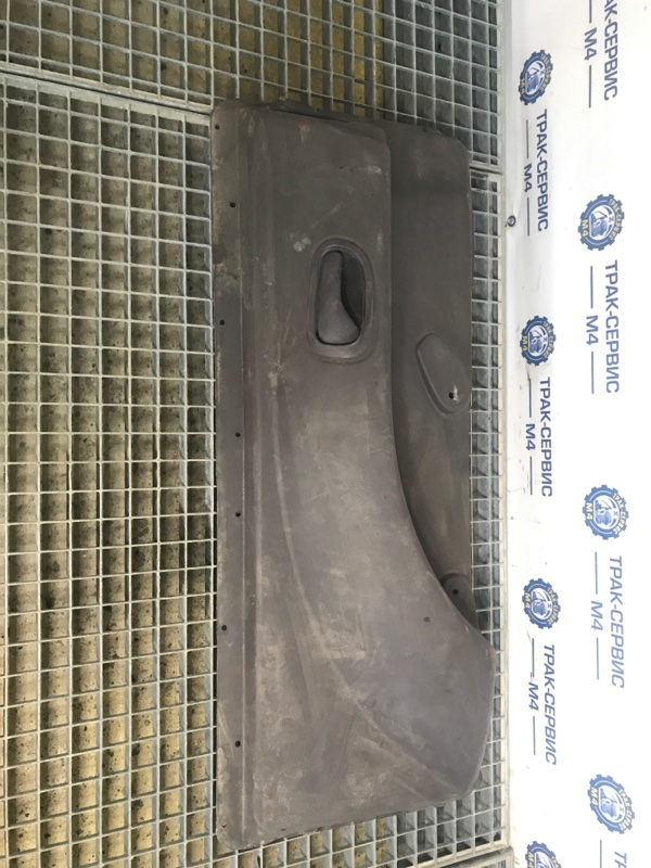 Обшивка двери внутренняя Renault Magnum правая (б/у)