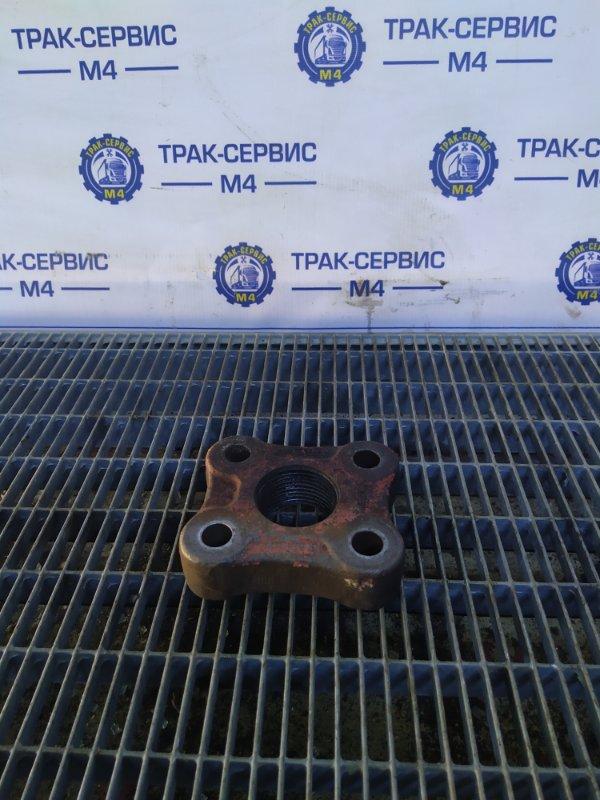 Заглушка буксировочного крюка Renault Magnum E-Tech 440 MACK 2004 (б/у)