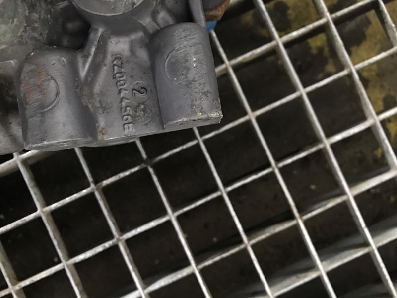 Блок клапанов гидроподвески Renault Magnum (б/у)