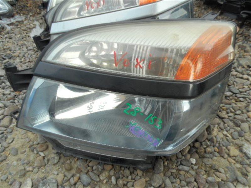 Фара Toyota Voxy AZR60 передняя левая (б/у)