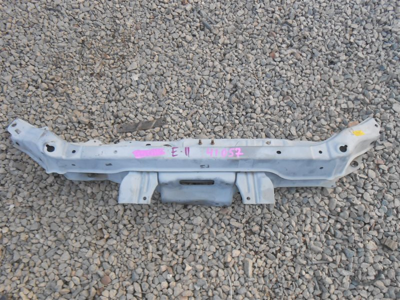 Планка телевизора Nissan Note E11 верхняя (б/у)