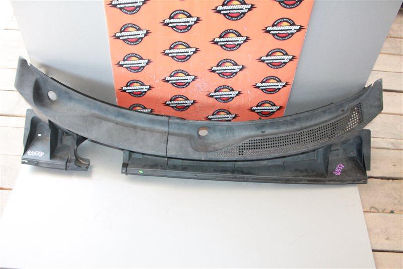 Решетка под дворники Toyota Corolla Rumion NZE151 (б/у)