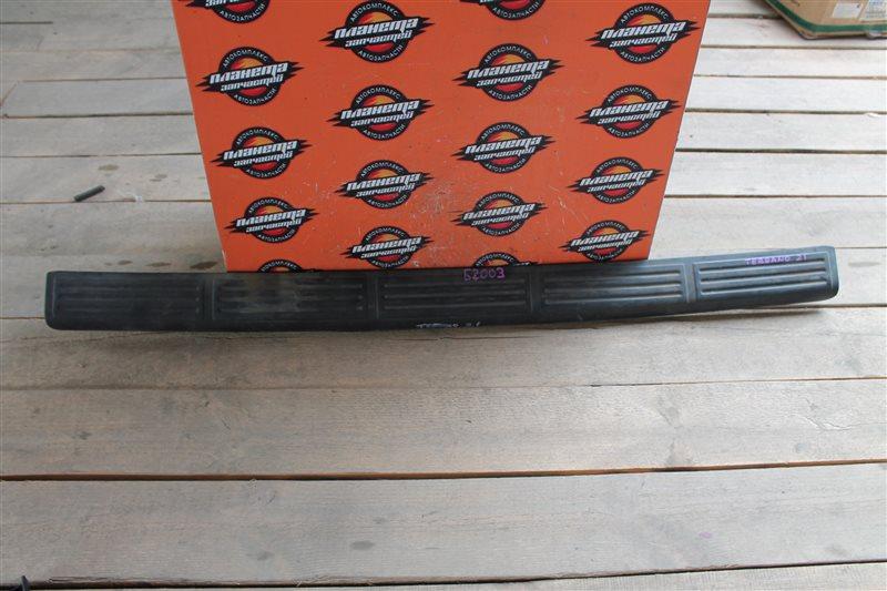 Пластик замка багажника Nissan Terrano T21 (б/у)