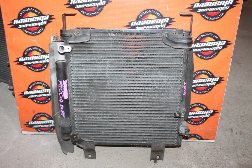 Радиатор кондиционера Toyota Duet M100A EJ (б/у)