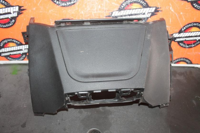 Накладка передней консоли Hyundai I30 GD G4FG 2012 (б/у)
