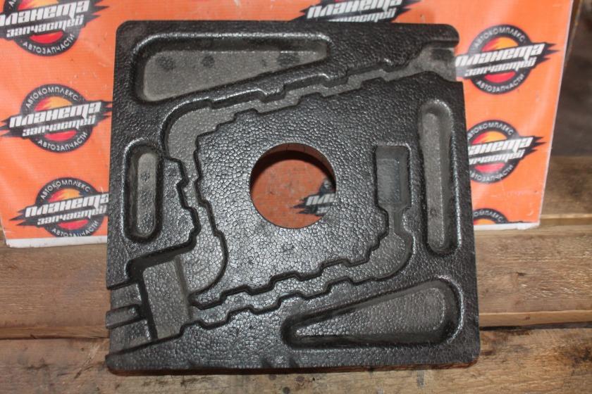 Ящик под инструменты Toyota Allion ZZT240 задний (б/у)