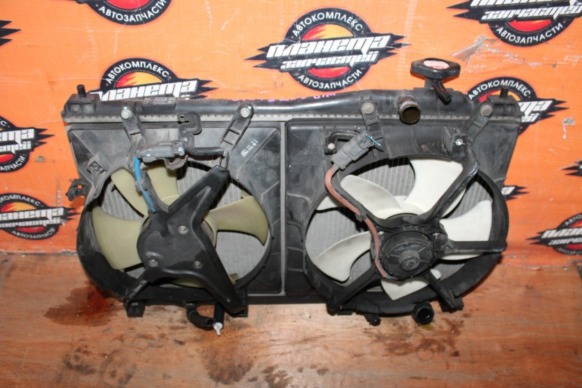 Радиатор основной Honda Civic EU3 D17A (б/у)