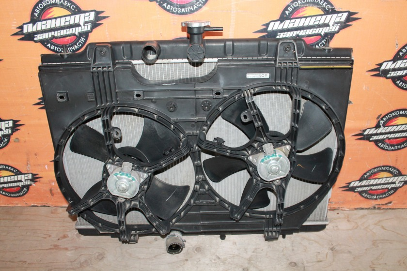 Радиатор основной Nissan Serena C26 MR20 (б/у)