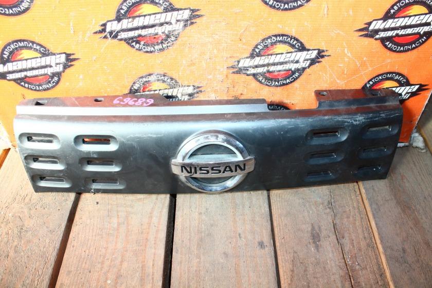 Решетка радиатора Nissan Cube Z12 (б/у)