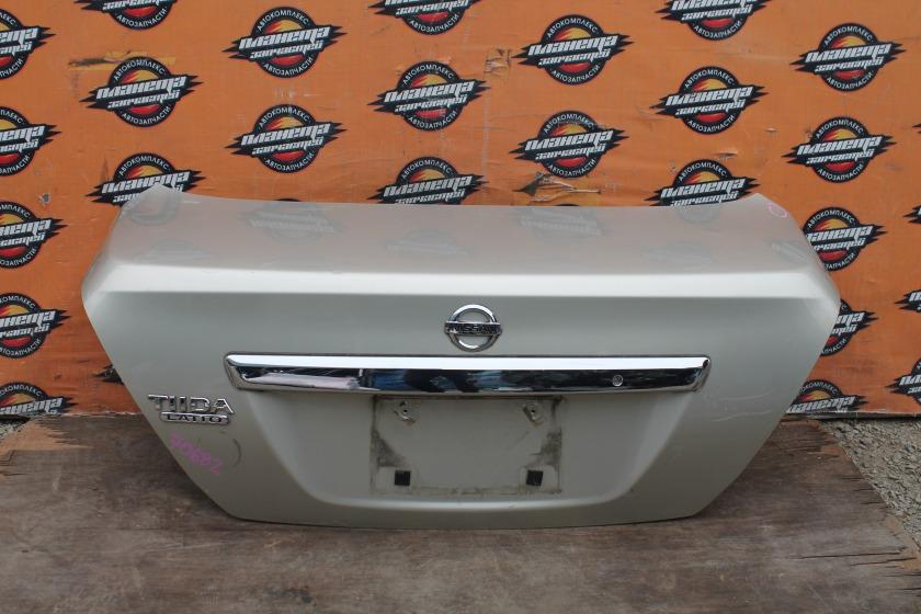 Крышка багажника Nissan Tiida Latio C11 HR15DE задняя (б/у)