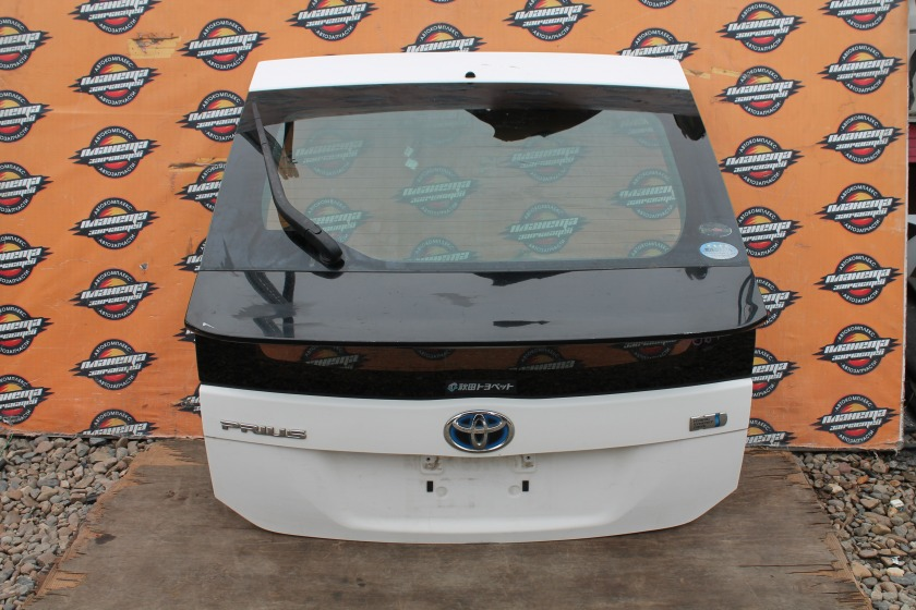 Дверь 5-я Toyota Prius ZVW30 задняя (б/у)