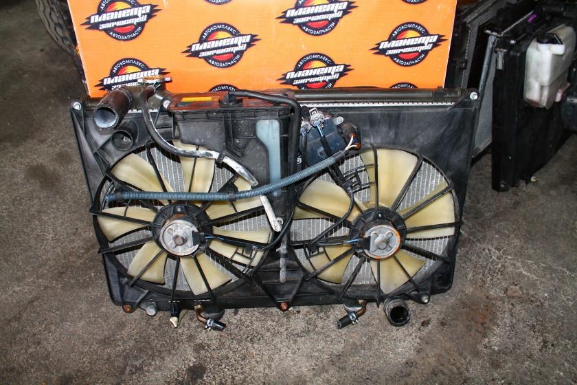 Радиатор основной Toyota Crown Majesta UZS171 1UZ (б/у)