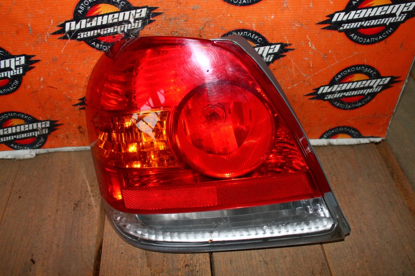 Стоп-сигнал Toyota Platz SCP11 задний левый (б/у)