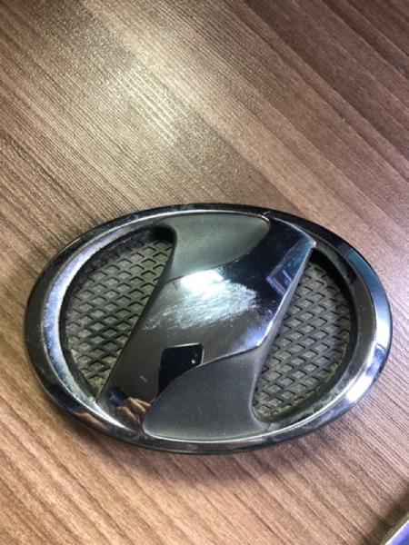 Эмблема Toyota Vitz SCP90 передняя (б/у)