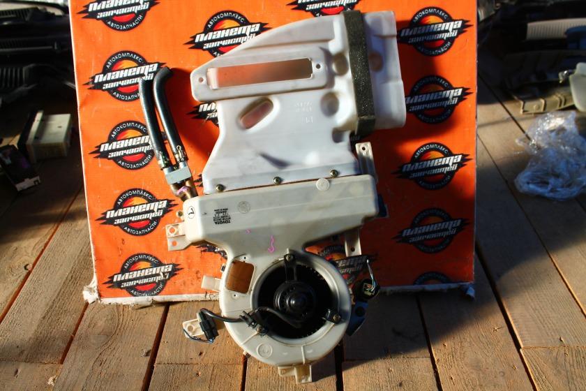 Радиатор печки Toyota Hiace KZH106 1KZ задний (б/у)