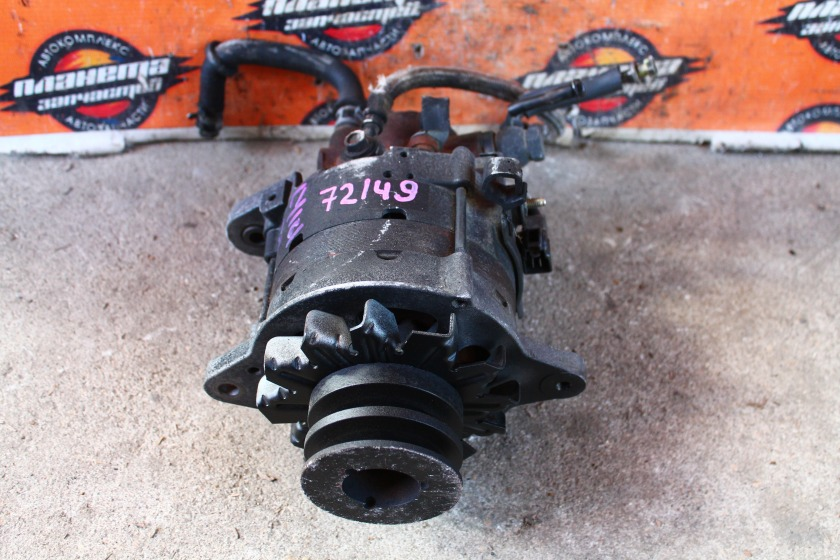 Генератор Toyota Hiace LY161 3L (б/у)