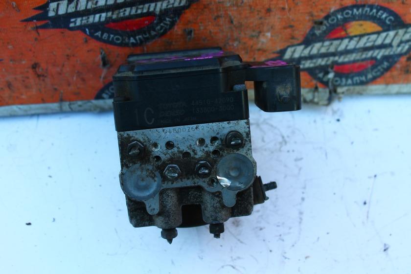Блок abs Toyota Rav4 ACA20 1AZ (б/у)