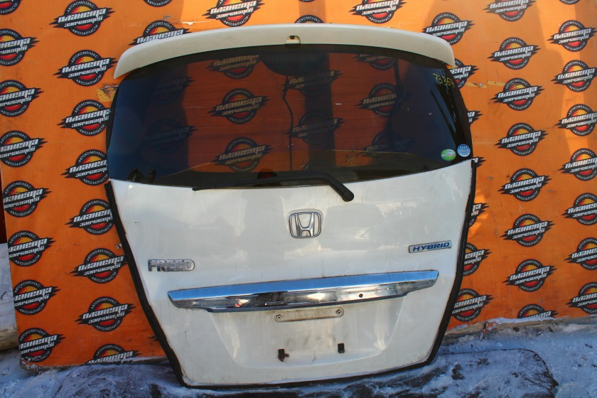 Дверь 5-я Honda Freed GP3 задняя (б/у)