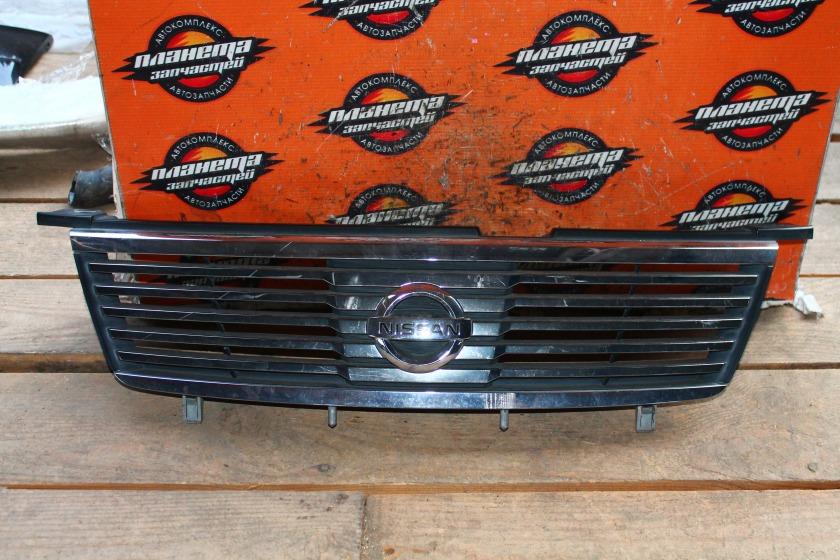 Решетка радиатора Nissan Sunny FB15 передняя (б/у)