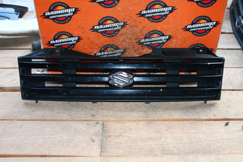 Решетка радиатора Suzuki Jimny JB23W передняя (б/у)