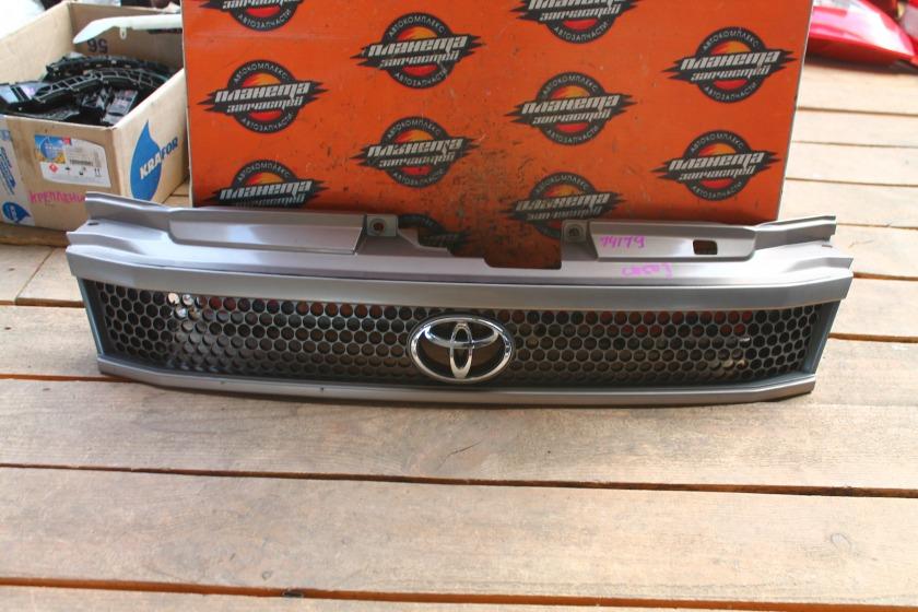 Решетка радиатора Toyota Town Ace Noah SR40 передняя (б/у)