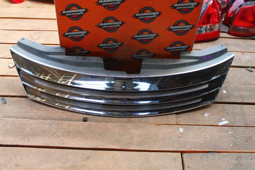 Решетка радиатора Nissan Presage U31 передняя (б/у)