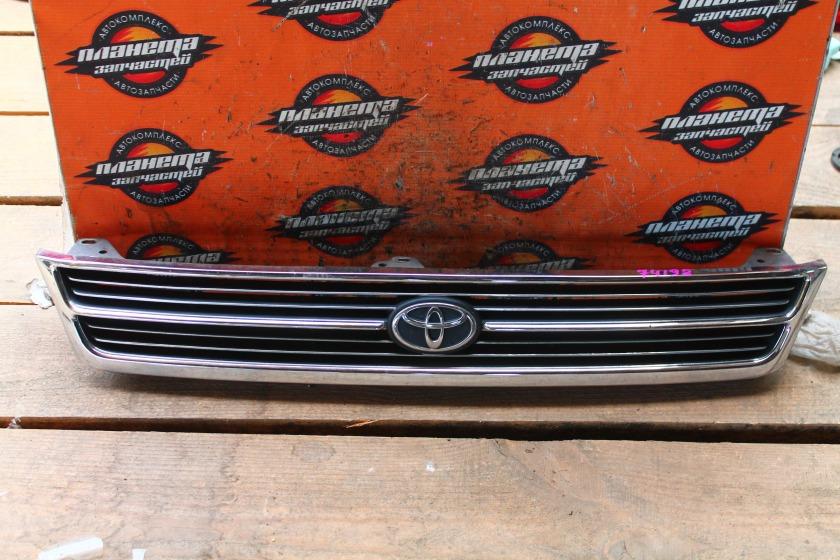 Решетка радиатора Toyota Corona ST190 передняя (б/у)