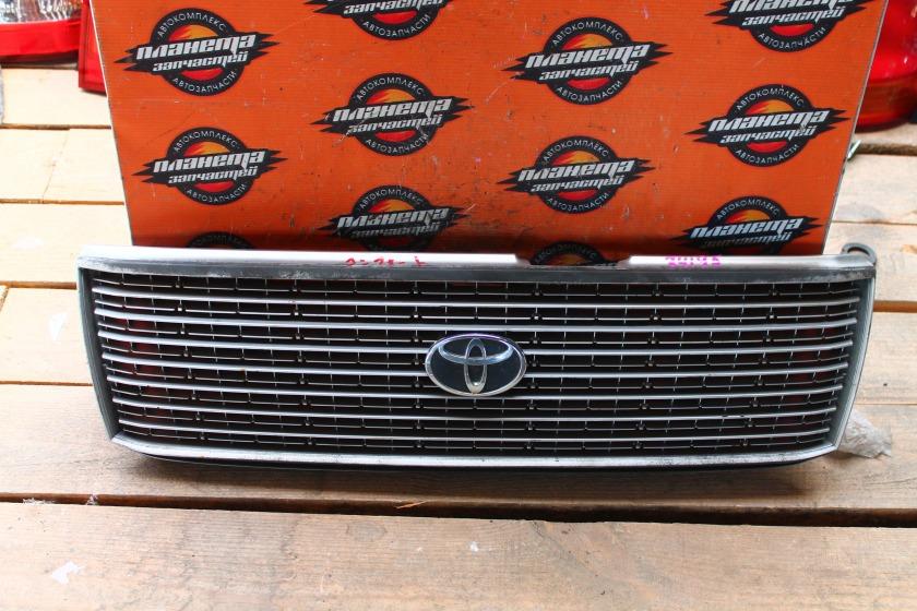 Решетка радиатора Toyota Crown GXS10 передняя (б/у)